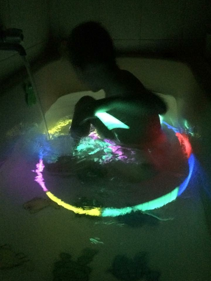 Glow in the Dark Bath – Kids are the Bomb Diggity