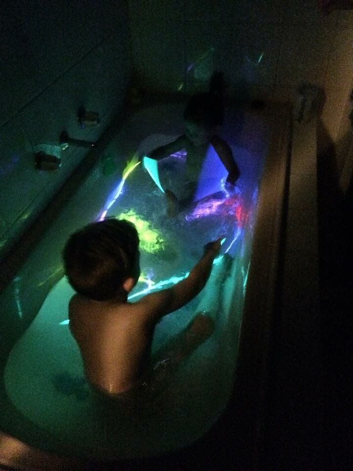 Glow in the Dark Bath – Kids are the Bomb Diggity